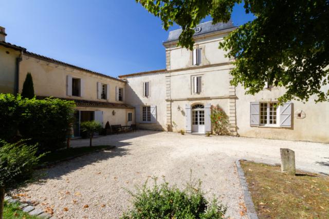 Courtyard of the Château de Lantic
