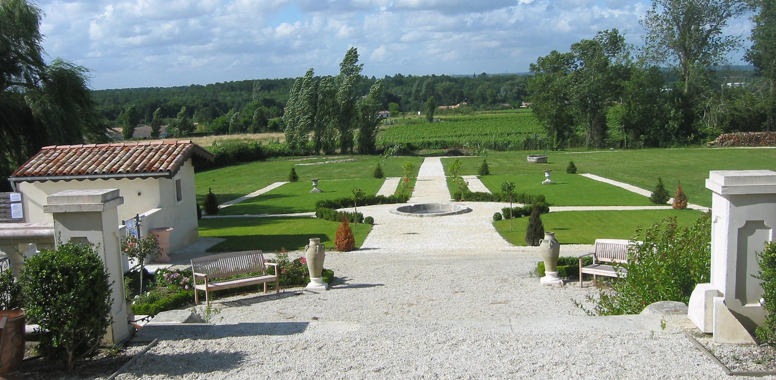 Chateau de Lantic garden